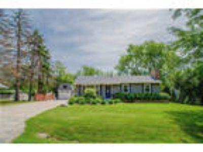 Downers%20Grove Three BR, 6093 Puffer Road Downers Grove