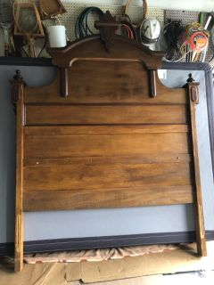 Antique Queen Size Bed Set