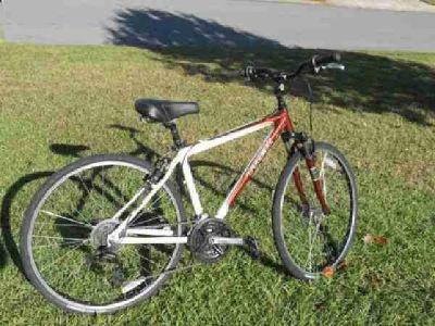 $325 Trek 7100 Hybrid (Ocean Springs)