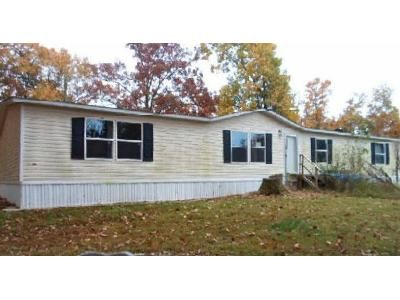 4 Bed 2 Bath Foreclosure Property in Noel, MO 64854 - Boxer Ln