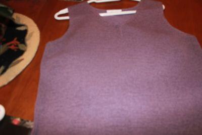 knit v-neck, pendelton, never worn fits l-36 bust, weight 150-155