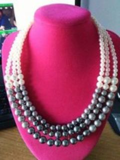NEW Paparazzi Accessories Necklace ..comes with Free Matching Earrings !