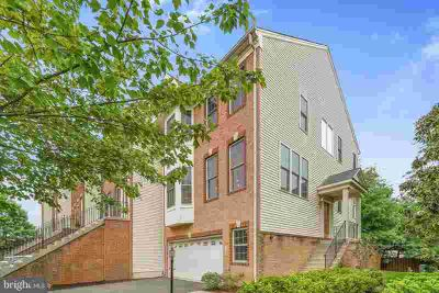 130 Ivy Hills Ter PURCELLVILLE Three BR, Large open floor plan
