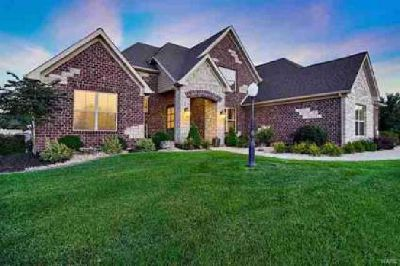 3308 Garvey Ln Edwardsville Five BR, ADD THIS TO YOUR HOLIDAY