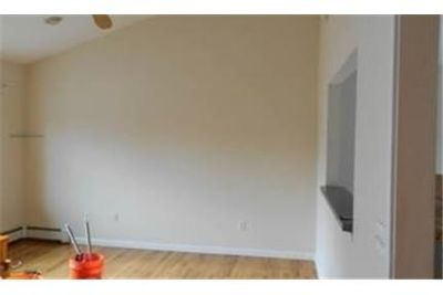 House for rent in Ronkonkoma. Parking Available!