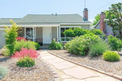 $6250 2 single-family home in Redwood City