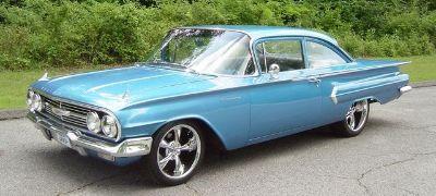 1961 Chevrolet Biscayne 2-DR Sedan