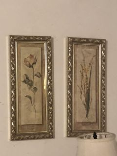 Set of two floral pictures.