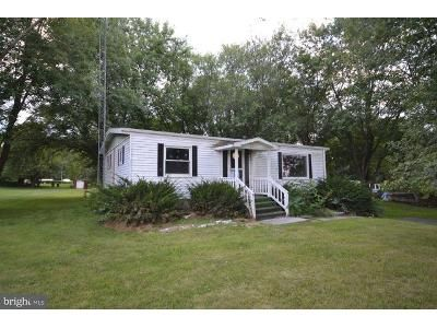 2 Bed 1 Bath Foreclosure Property in New Oxford, PA 17350 - Dicks Dam Rd