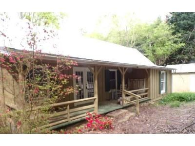 2 Bed 2 Bath Foreclosure Property in Saluda, NC 28773 - Hanging Rock Rd
