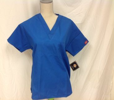 NWT Dickies Royal Blue XS S Med Unisex Scrub Top Hospital Nurse Doctor Style 810106 RN LVN Rad Tech