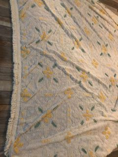 Vintage queen chenille bedspread. Ivory/white with yellow and green accents. Gorgeous!