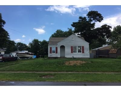 2 Bed 1 Bath Foreclosure Property in Frazeysburg, OH 43822 - S State St