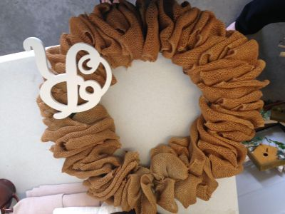 Burlap wreath with removable R.