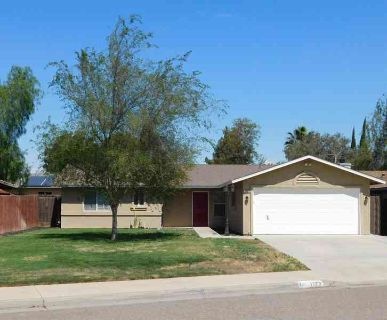1123 Susan Way HANFORD, Just Listed! This is a beautiful 3