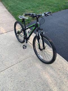 Trek 3500 Mountain Bike ($200 or best offer)