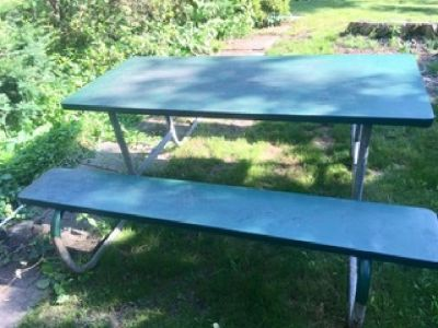 Green metal picnic table - no charge