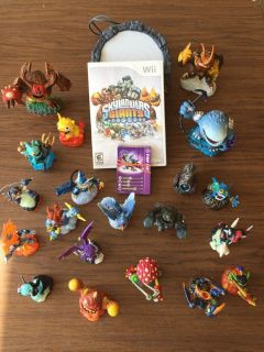 Skylander Giants Wii Game and 20 Guys! Complete Set - Great Gift