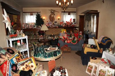VINTAGE TOYS, CHRISTMAS and MORE in..