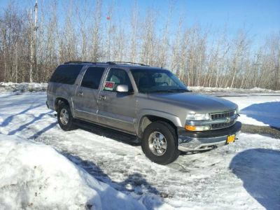 02 Chevy Suburban 4 X 4 Loaded