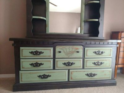Green and Black Distressed Furniture Set