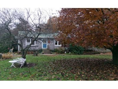 2 Bed 2 Bath Preforeclosure Property in Granby, MA 01033 - West St