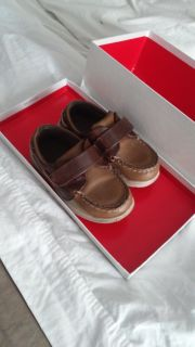 Toddler canvas shoes size 9