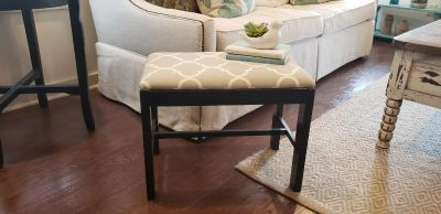 """Black Wooden Reupholstered Grey and White Trellis Design Bench. 17.5"""" T x 22"""" W x 14"""" D."""