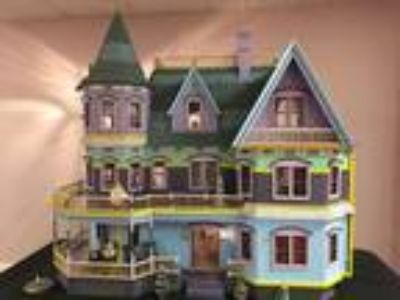 Dollhouse - Queen Anne Estate COMPLETE AND FURNISHED!!!