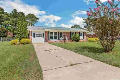 115 Princeton Drive Jacksonville, This charming home with 3