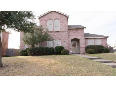 3 Bed 2.5 Bath Preforeclosure Property in Lancaster, TX 75146 - Prairie Dr