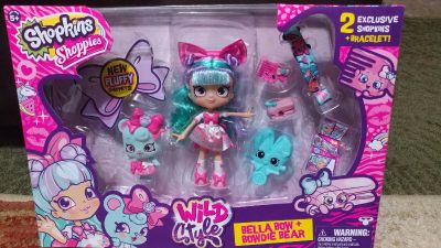 Shopkins doll with accessories