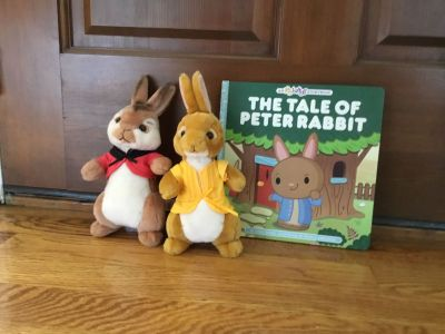 The Tale of Peter Rabbit Hardcover Book w/ matching Set of 2 Bunnies [Lopsy and Flopsy] So Cute!