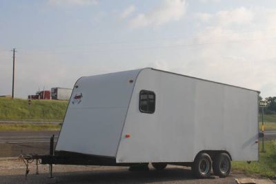 18 Enclosed trailer w electric