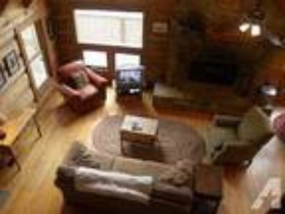 $139 / 3 BR - Cool Mtn Air? Cabin w/AC, wifi, hot tub & location!