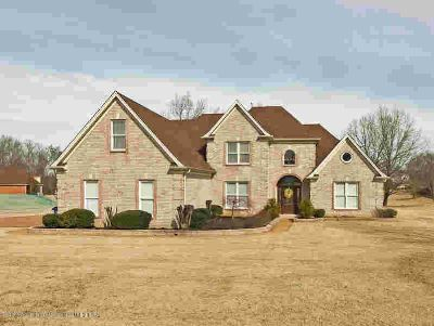 8266 Kings Crossing Olive Branch Five BR, Stunning custom home