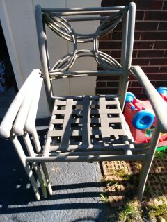 6 light weight metal patio chairs. Ppu in Gallatin.