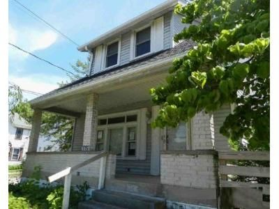3 Bed 1 Bath Foreclosure Property in Erie, PA 16508 - W 29th St