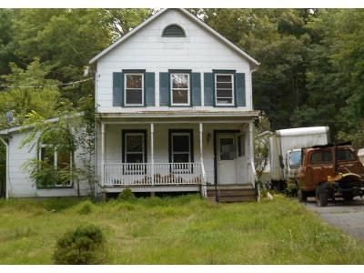 4 Bed 2 Bath Preforeclosure Property in Matamoras, PA 18336 - Heaters Hill Rd