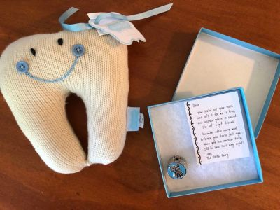 Tooth fairy collectible