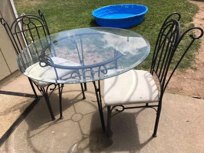 Table w/2 chairs