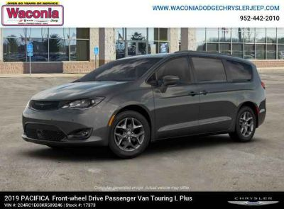 New 2019 Chrysler Pacifica FWD