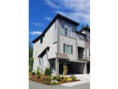 MUST SEE! Spacious, Clean + Bright! end-unit in Urbana
