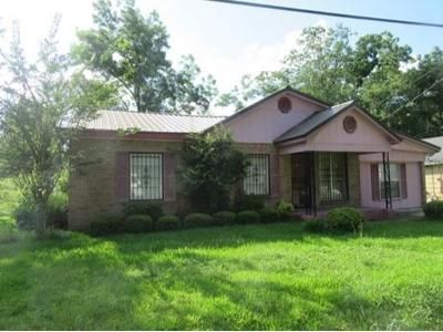 3 Bed 2 Bath Foreclosure Property in Durant, MS 39063 - Southwest Avenue