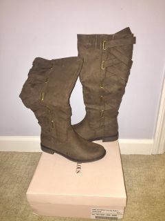 Just Fab boots size 8 NEW
