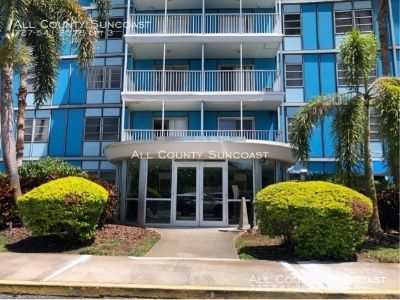 Fantastic 2 bedroom condo in the Wave for rent!