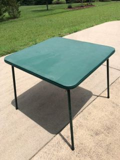 FREE Small Table With Foldable Legs Porch Pick Up in Greenbrier