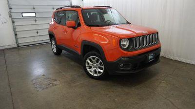 2016 Jeep Renegade LATITUDE (orange)