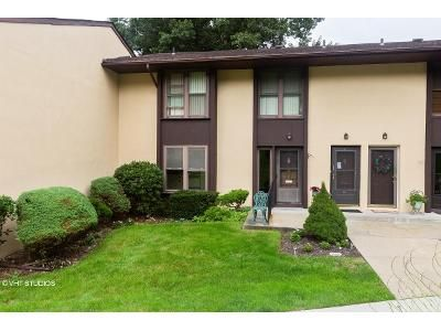 1 Bed 1 Bath Foreclosure Property in Selden, NY 11784 - Maple Ct