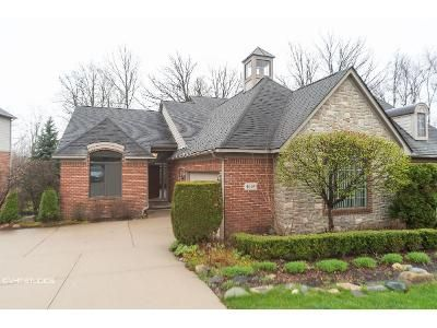 3 Bed 3 Bath Foreclosure Property in Clarkston, MI 48348 - Oakhurst Ridge Rd